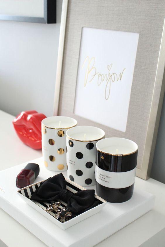 10_desk accessories