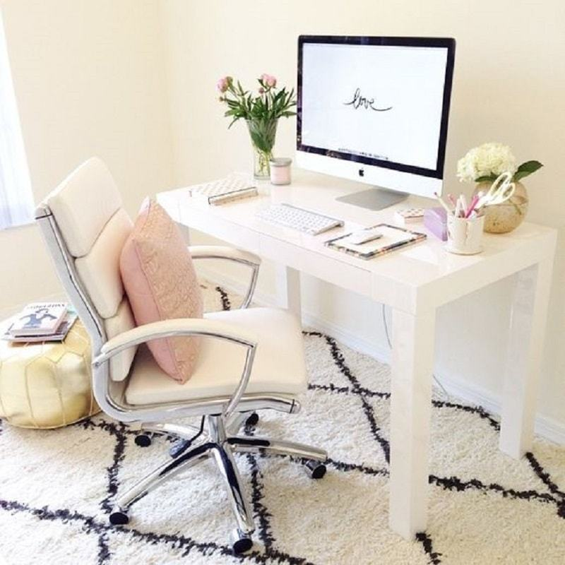 8-office-chairs-white-faux-leather-office-chair-min