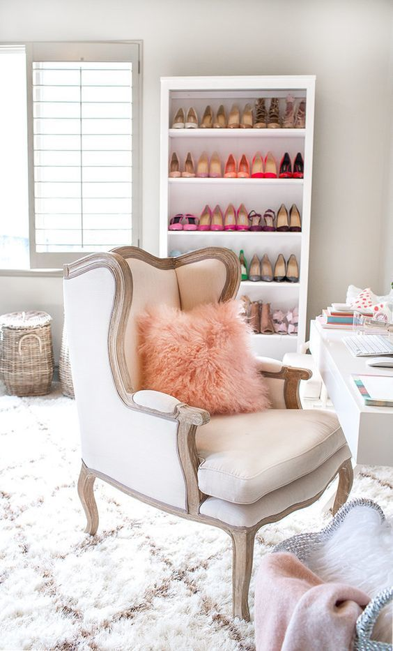 8_comfy chic chair