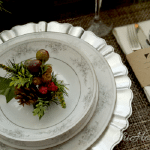 A Simple & Eclectic Christmas Table Setting