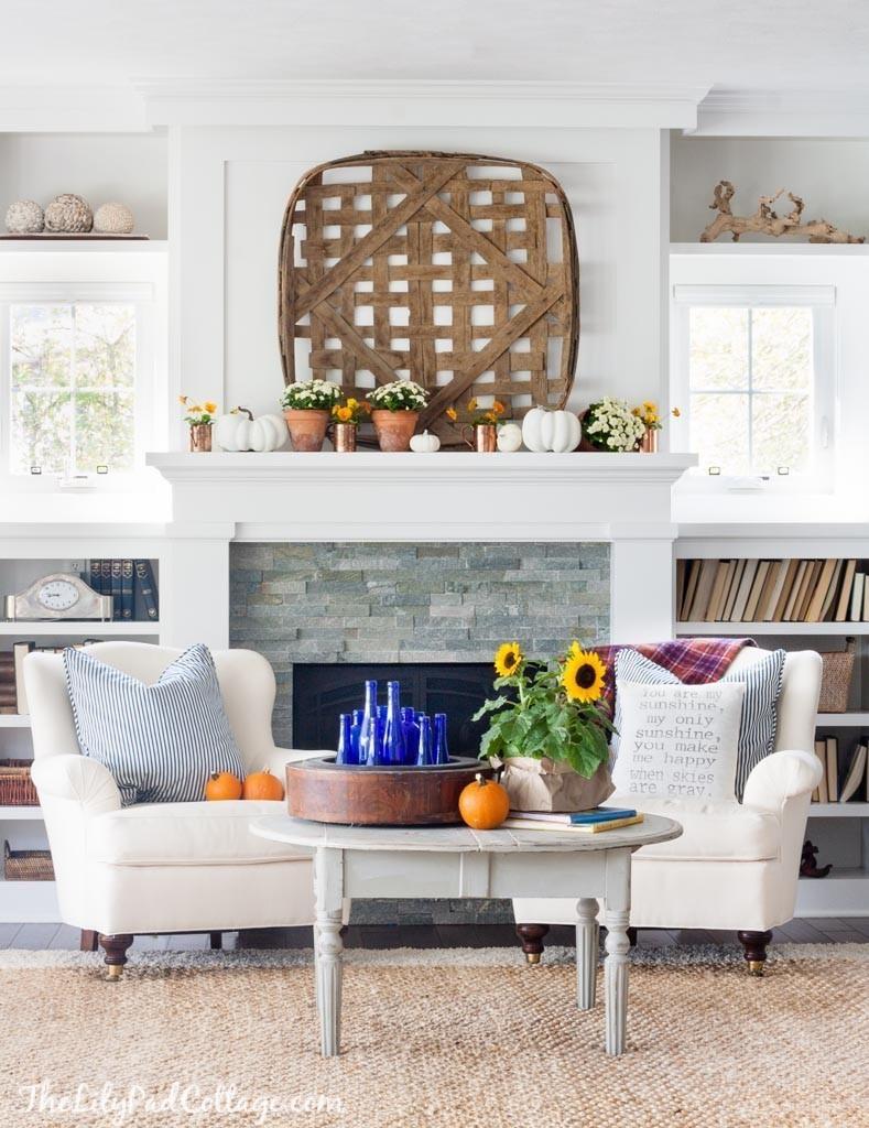 1442329716-lake-house-fall-home-decor-4