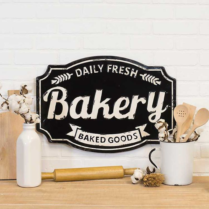 Bakery: Daily Fresh Goods sign