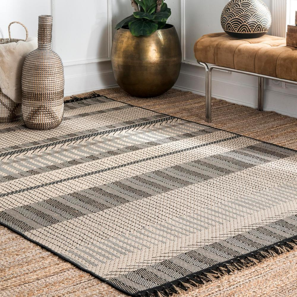 Gray Nuloom outdoor rug